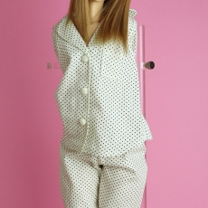 d_pajamas_dot_001