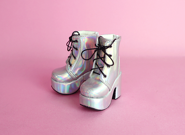 p_dp_fh_holoboots_or_01